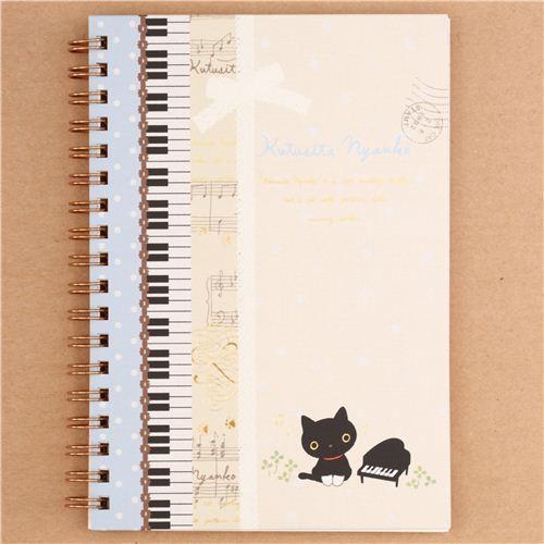 cahier spirale ray kutusita nyanko avec des notes de musique un piano san x bloc notes. Black Bedroom Furniture Sets. Home Design Ideas