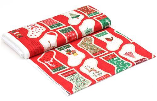 Stoff mit bunten Weihnachtsstrümpfen mit Gold von makower uk ...