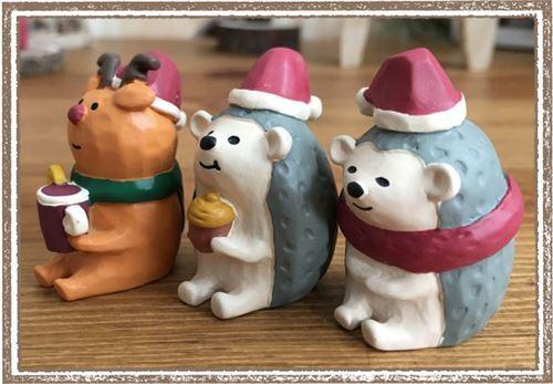 b5b2aae08edef hedgehog with Santa hat acorn Christmas figurine Japan - modeS4u