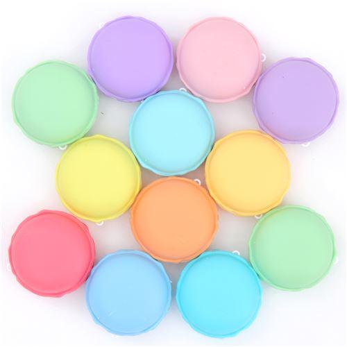 schleim in zuf llig ausgew hlter farbe in macaron beh lter schleim slime squishies. Black Bedroom Furniture Sets. Home Design Ideas